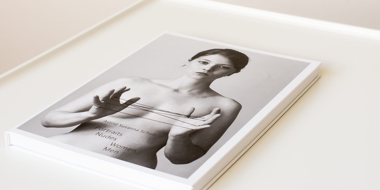 portraits-nudes-women-men-astrid-susanna-schulz-photobooks_cover